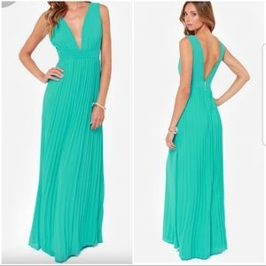 Lulu's Chiffon Pleated Maxi Dress Women's L
